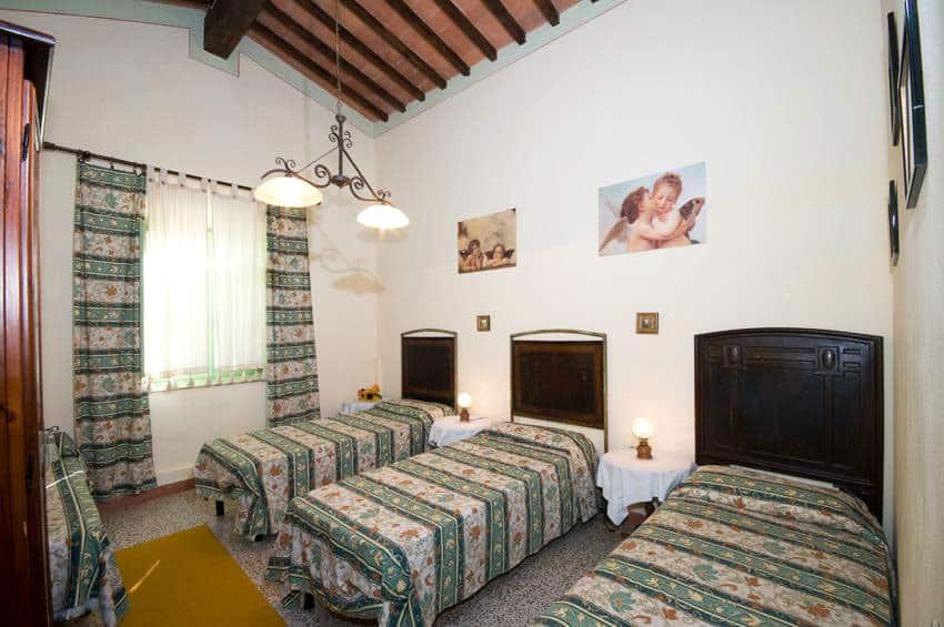 camera con tre letti appartamento platano